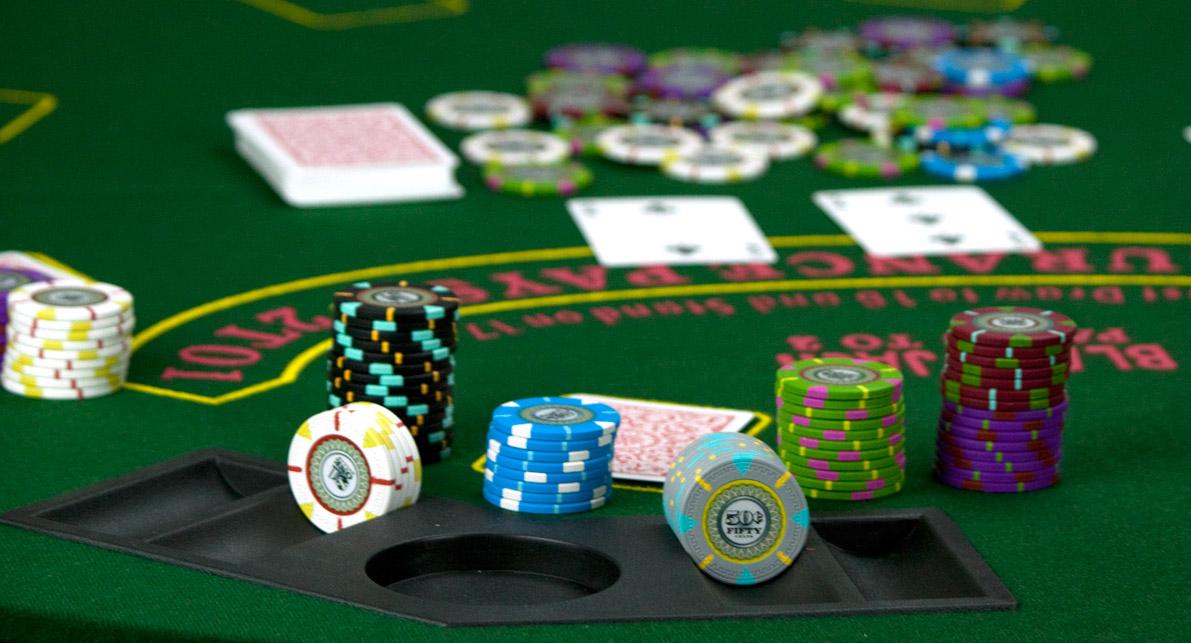 Чем отличается покер от казино игры.играть бесплатно.игровые автоматы